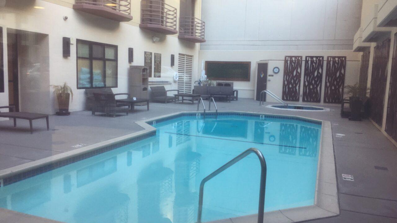 サンディエゴホテル:ベストウェスタンプラス ベイサイドイン、プール写真